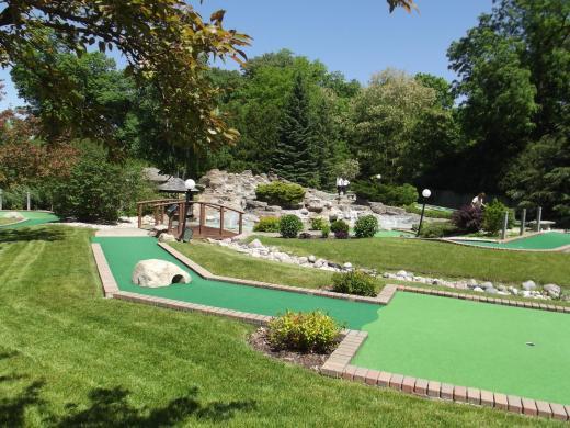 paradise miniature golf park best of lake geneva. Black Bedroom Furniture Sets. Home Design Ideas